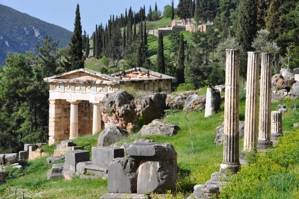 Les dieux de l'Olympe de retour à Athènes ! Delphes_150110_pgbighd