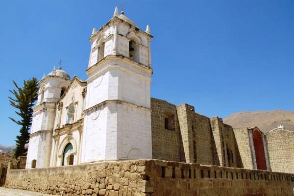 Eglise coloniale Arequipa Circuit Pérou / Bolivie Lima Perou