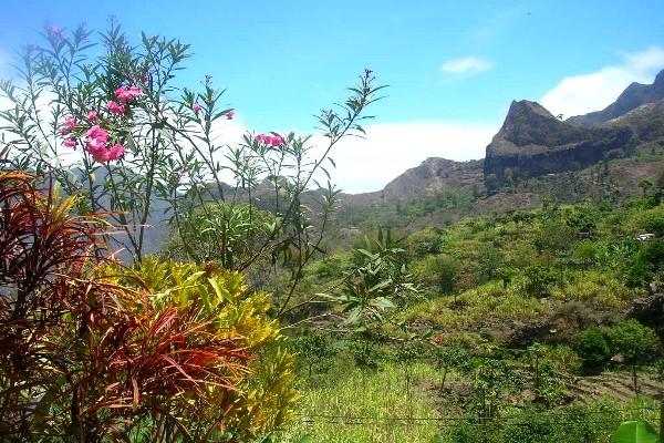 Paysage de l'ïle de Santa Antao Combiné hôtels Cocktail Nature 4 Iles Ile de Santiago Cap Vert
