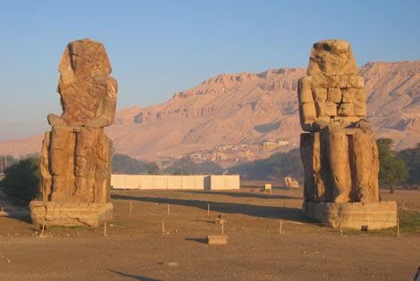 Colosses Memnon Combiné croisière et hôtel Nil & Pyramisa Beach5* Louxor Egypte