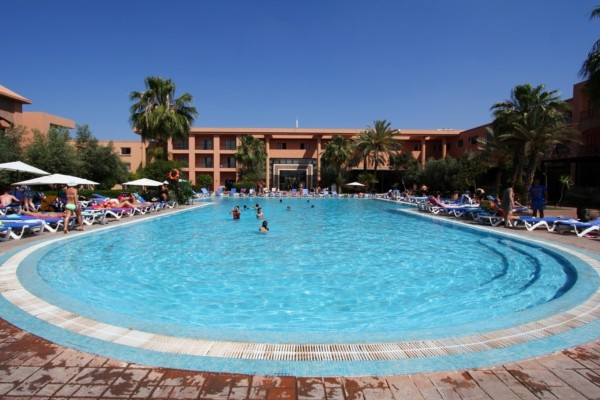 Hotel combin atlas targa lti agadir beach club for Club rabat piscine