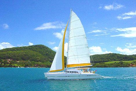 Catamaran - Croisière à la voile aux Grenadines 4D + Hôtel Baie du Galion 3* Combiné croisière et hôtel Croisière à la voile aux Grenadines 4D + Hôtel Baie du Galion 3* Fort de France Iles Grenadines