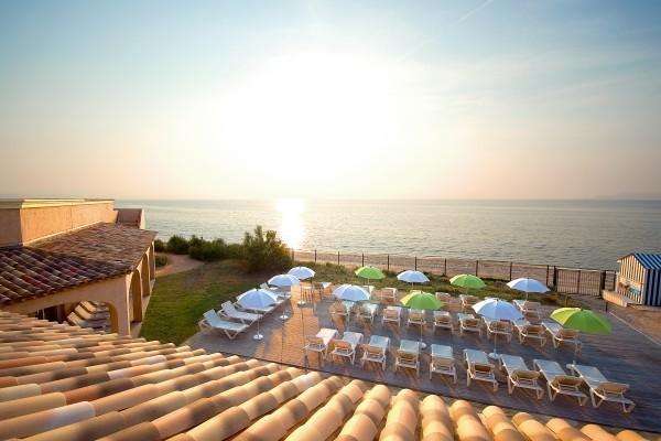 Terrasse - Ibis Hyères Hôtel Ibis Hyères3* Hyeres France Provence-Cote d Azur