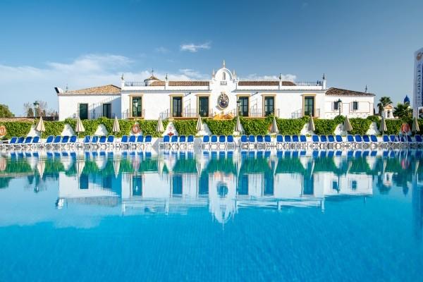 Hotel pueblo andaluz san pedro de alcantara andalousie for Hotel pueblo andaluz