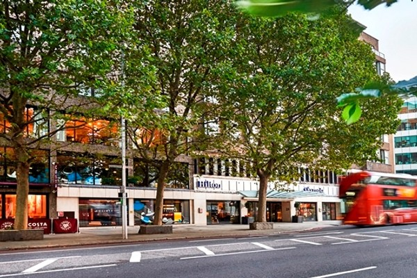 Façade de l'hôtel - Hilton London Olympia Hôtel Hilton London Olympia4* Londres Angleterre
