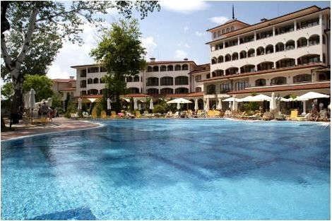 Piscine exterieure - Royal Palace Helena Park Hôtel Royal Palace Helena Park5* Burgas Bulgarie