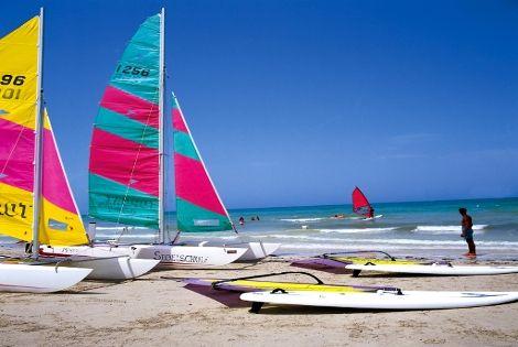 sports nautiques sur la plage - Top Clubs Iberostar Boa Vista Hôtel Top Clubs Iberostar Boa Vista5* Ile de Boavista Cap Vert