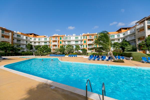 Hotel agua h tel calistemon santa maria cap vert for Breistroff piscine cap vert