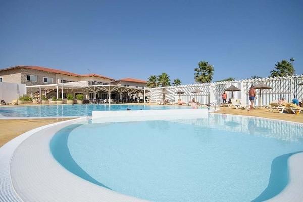Hotel heliades oasis belorizonte ile de sal cap vert for Breistroff piscine cap vert