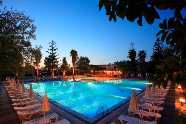 La piscine de nuit - King Minos Hôtel King Minos4* Heraklion Crète