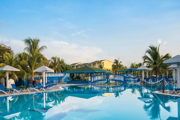 Piscine - Playa Coco  Hôtel Playa Coco3* Cayo Coco Cuba