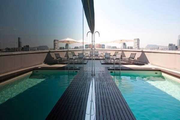 Piscine - Tryp Condal Mar  Hotel Tryp Condal Mar4* Barcelone Espagne