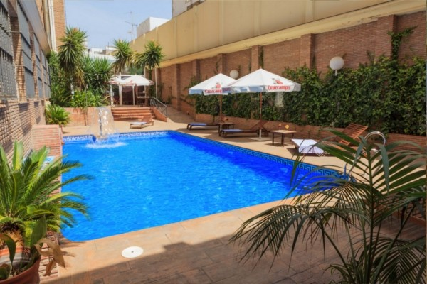 Hotel bellavista seville espagne promovacances - Seville hotel piscine ...