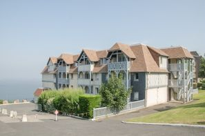 Derniere minute deauville trouville location avec for Location hotel france derniere minute