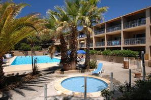 France Provence-Cote d Azur-Six-Fours-les-Plages, Résidence locative La Marina