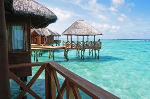 Maldives-Male, Hôtel Fihalhohi Resort - Villas sur pilotis 3* sup