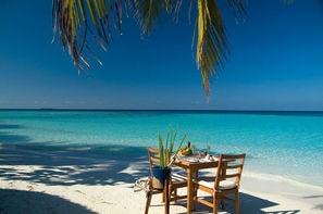 Maldives-Male, Hôtel Makunudu Island 4*