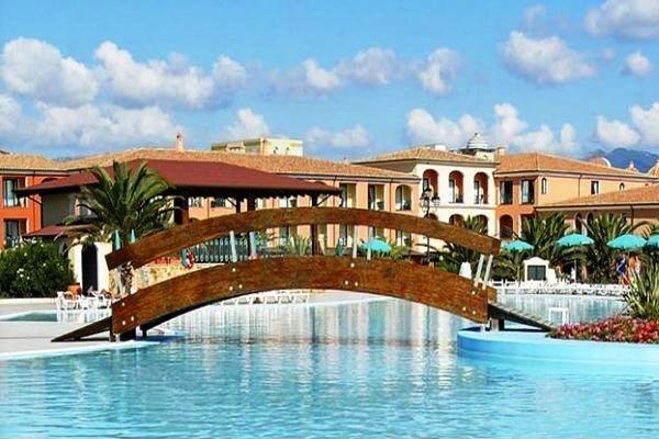 Hotel jet tours marina beach 4 toiles sardaigne olbia for Hotels sardaigne