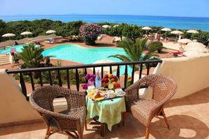 Sardaigne-Olbia, Hôtel Maxi Club Del Golfo 4*