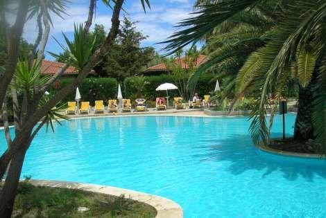 Hotel fiesta ath n e palace 4 toiles campofellice di for Club piscine shawinigan sud