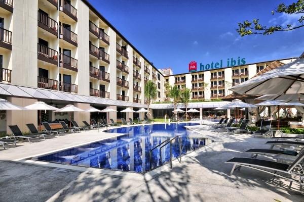 Hotel ibis phuket kata phuket thailande promovacances for Piscine a debordement thailande