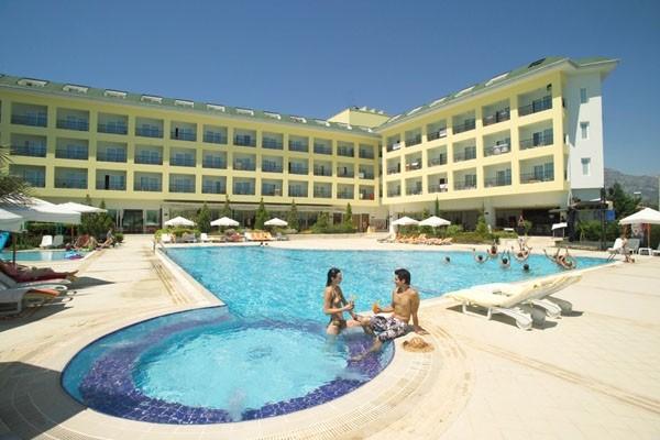 Façade logement et piscine - Pine House Hôtel Pine House Antalya Turquie