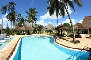 Zanzibar-Zanzibar, Hôtel Uroa Bay Beach Resort 4* sup