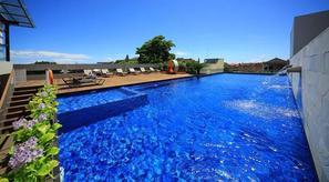Bali-Denpasar, Hôtel J4 Hotels Legian 4*