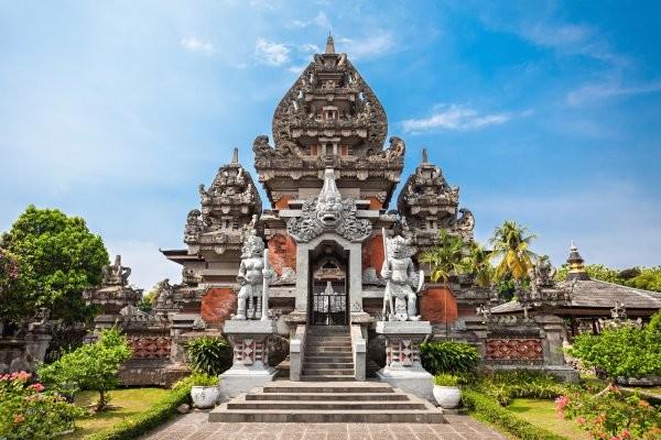Temple Taman Ayun Circuit Splendeurs balinaises et plages de Kuta 3*/4* Denpasar Bali