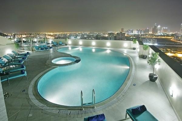 Piscine - Dubaï & Maurice : Coral Dubaï Al Barsha + Radisson Blu Azuri Resort & Spa Combiné hôtels Dubaï & Maurice : Coral Dubaï Al Barsha + Radisson Blu Azuri Resort & Spa5* Dubai Dubai et les Emirats