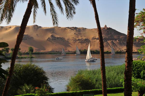 Le Nil vue d'Assouan Croisière Sur le Nil Avec Excursions4* Louxor Egypte
