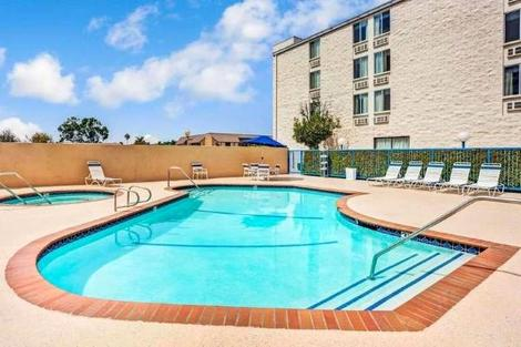 Etats-Unis-Los Angeles, Hôtel Days Inn & Suites Fullerton 3*