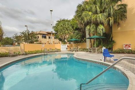 Etats-Unis-Miami, Hôtel La Quinta Inn & Suites Miami Lakes 3*