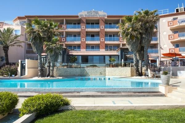 facade vue piscine - Flamants Roses Hôtel Flamants Roses4* Canet En Roussillon France Languedoc-Roussillon