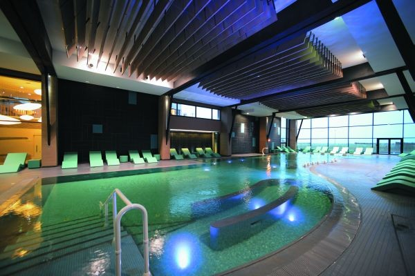 Hotel thalazur les bains de cabourg cabourg france for Piscine cabourg