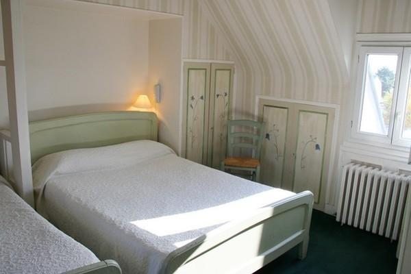 Chambre - Côte fleurie- Hôtel Côte fleurie-2* Deauville France Normandie
