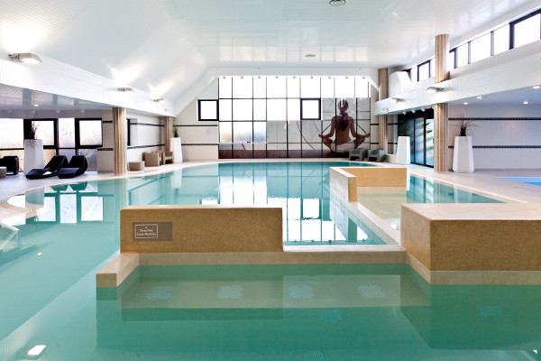 Hotel thalazur riva bella ouistreham france normandie for Piscine deauville