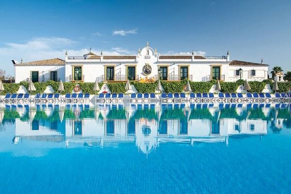 Hotel look a pueblo andaluz san pedro de alcantara for Hotel pueblo andaluz