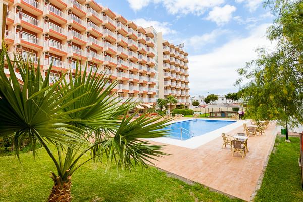 Piscine et bâtiment - Med Playa Balmoral Hôtel Med Playa Balmoral2* Malaga Andalousie