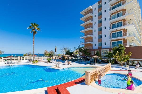 Hotel playa moreia sa coma baleares promovacances for Piscine baleares