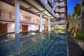 Bali-Denpasar, Hôtel Favehotel Sunset Seminyak 3*