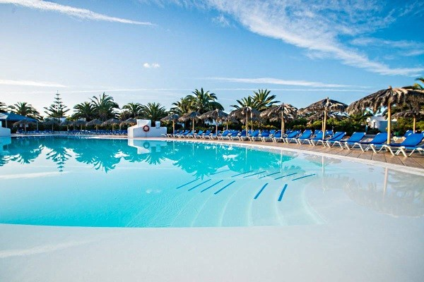 Piscine - HL Rio Playa Blanca  Hôtel HL Rio Playa Blanca4* Arrecife Canaries