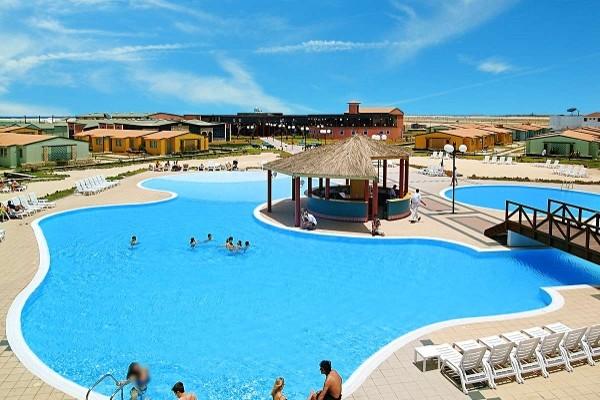Piscine - Vila Do Farol  Hotel Vila Do Farol4* Ile de Sal Cap Vert