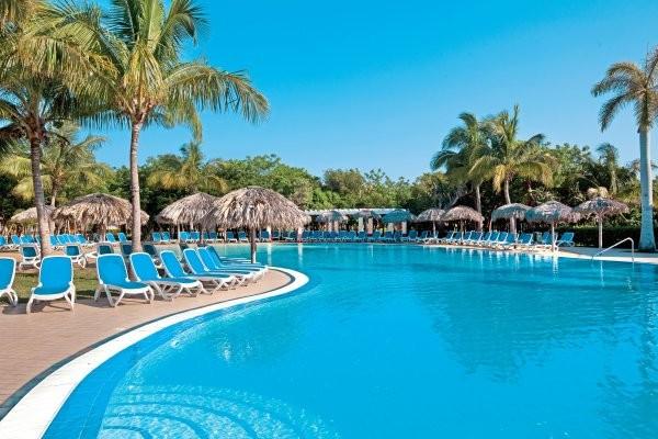 Hotel framissima memories varadero beach resort la havane for Piscine varadero