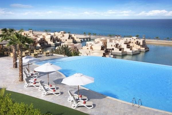 Piscine - Fram Expériences Cove Rotana Resort Ras Al Khaimah Hôtel Fram Expériences Cove Rotana Resort Ras Al Khaimah5* Dubai Dubai et les Emirats