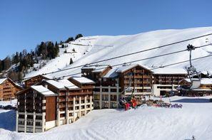 France Alpes-La Plagne, Résidence avec services Le Cervin