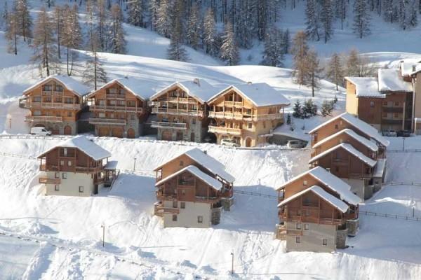 hotel les chalets des rennes vars france alpes promovacances. Black Bedroom Furniture Sets. Home Design Ideas