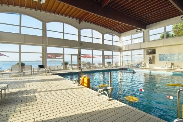 Piscine intérieure - NOVOTEL OLERON THALASSA SEA & SPA Hôtel NOVOTEL OLERON THALASSA SEA & SPA4* Ile D'oleron France Cote Atlantique