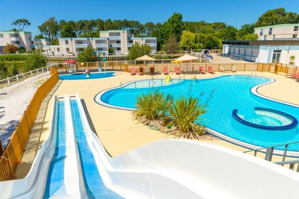 Hotel azureva lacanau lacanau france cote atlantique for Village vacances vendee avec piscine