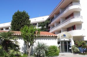France Languedoc-Roussillon-Alenya, Résidence locative Domaine du Mas Blanc
